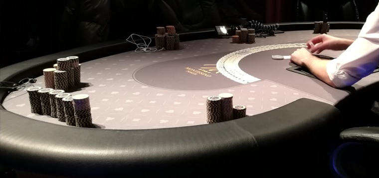 chips on the poker table
